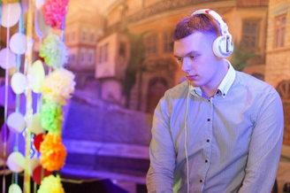 Ведущий Dj Mc Wondergold в ночном клубе, фото 5