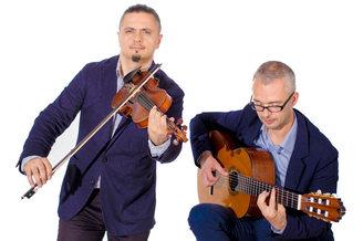 Дуэт скрипач и гитарист