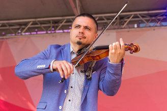 Соло на скрипке