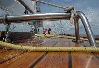 Отделка палубы парусной яхты Электра