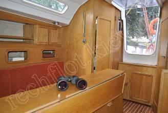В каюте парусной яхты JANMOR
