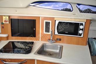 Оборудование камбуза катера Бейлайнер-2655