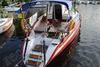 Кормовая часть парусной яхты Риф