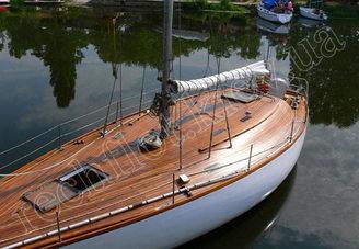 Палуба парусной яхты Электра