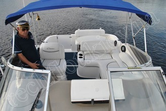 Салон катера Бейлайнер-2655