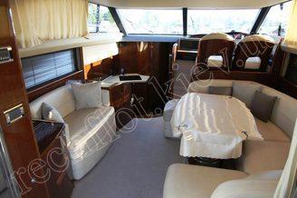 Салон моторной яхты Принцесс-45