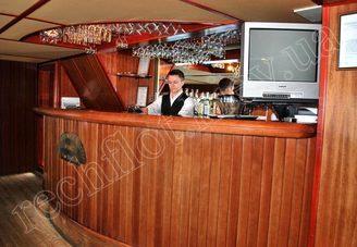 Бар салона первой палубы теплохода Серебряный Бриз