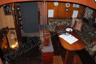 Кают-компания парусной яхты Риф