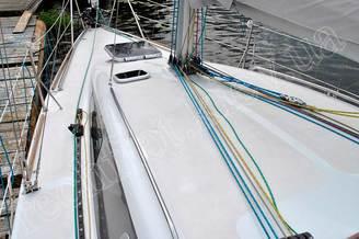 Цветные шкоты на рубке яхты Александра