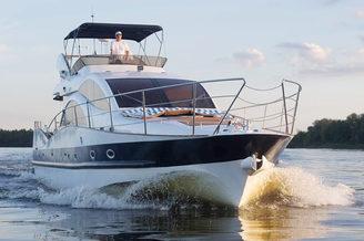 Моторная яхта Одиссея