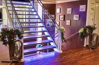 Лестница основной палубы теплохода Lux лайнер