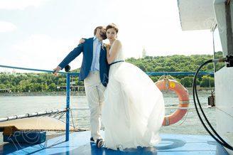 Свадебная фотосессия на теплоходе Пати-Бот