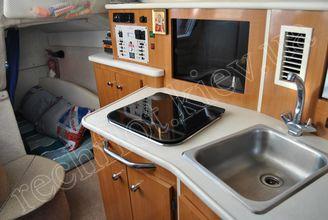 На камбузе катера Бейлайнер-2655