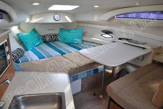 Кают-компания катера Бейлайнер-2655