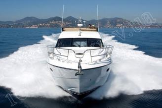 Носовая часть моторной яхты Принцесс-50