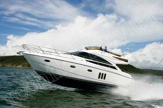Моторная яхта Принцесс-50 на полном ходу