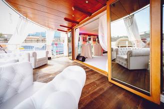Кормовая терраса второй палубы лайнера De Luxe