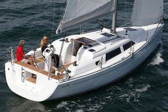 Внешний вид парусной яхты Хантер-323