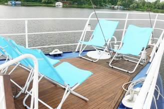 Солнечная палуба на парусной яхте Данапр