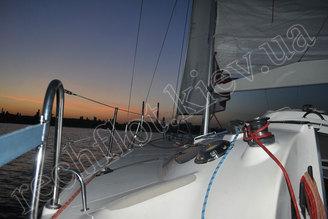 Закат на яхте Богема