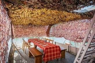 Летняя терраса второй палубы теплохода