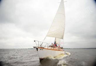 Парусная яхта Электра на полном ходу