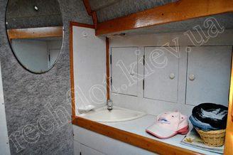 Зеркало на борту яхты Лана