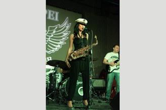 Саксофонистка, фото 5