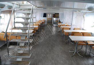 Салон первой палубы теплохода Риверест-4, фото 2