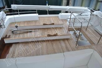 На верхней палубе моторной яхты Натали
