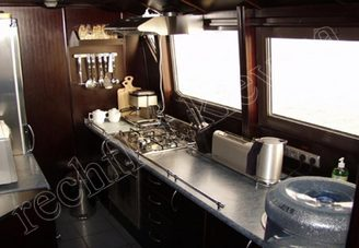 Камбуз моторной яхты Романтик