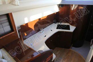 Камбуз моторной яхты Принцесс-45