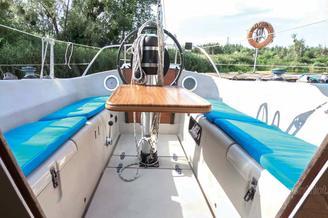 Кокпит парусной яхты Нико V.I.P.
