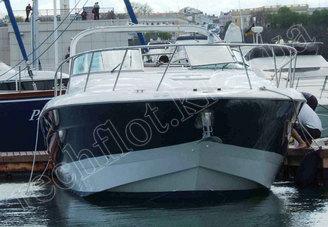Носовая часть моторной яхты Ларсон-370