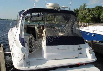 Кормовая часть моторной яхты Ларсон-370