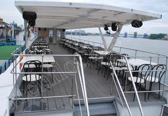 Салон второй палубы теплохода Риверест-4, фото 1