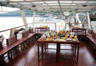 Салон второй палубы теплохода Серебряный Бриз, фото 3