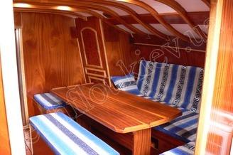 Кают-компания парусной яхты Электра