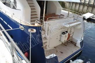 Кормовая часть моторной яхты Натали
