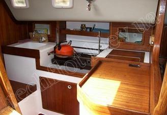 Камбуз парусной яхты Лора