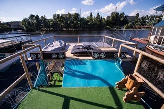 Летняя терраса 2-ой палубы теплохода Деспасiто, фото 2