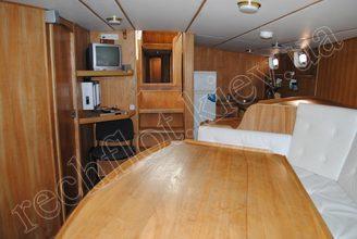 Кают-компания парусной яхты Австралия