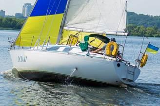 Внешний вид парусной яхты Октант