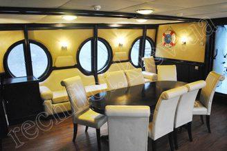 Салон моторной яхты Романтик