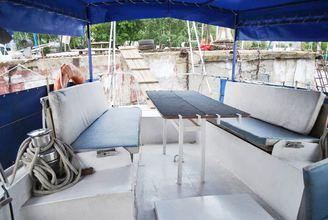 На кокпите парусной яхты Яна