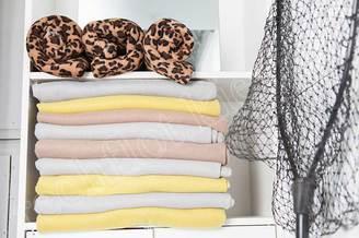 Пледы и полотенца на теплоходе Пати-Бот