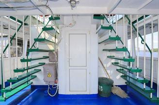 Лестница для выхода на верхнюю палубу теплохода Каштан - Роман Шухевич