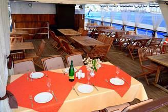 Салон второй палубы теплохода Серебряный Бриз, фото 5