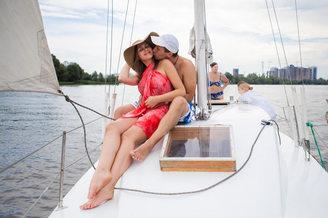 Романтическая фотосессия на парусной яхте Арвен