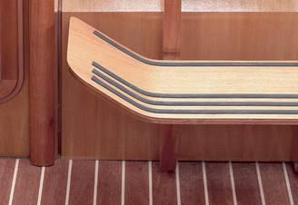Интерьер парусной яхты Бавария-33 Александер